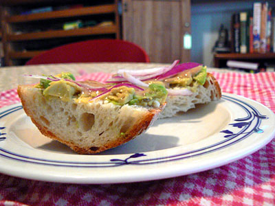 Avocado sandwich